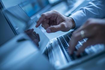 skrive på tastatur